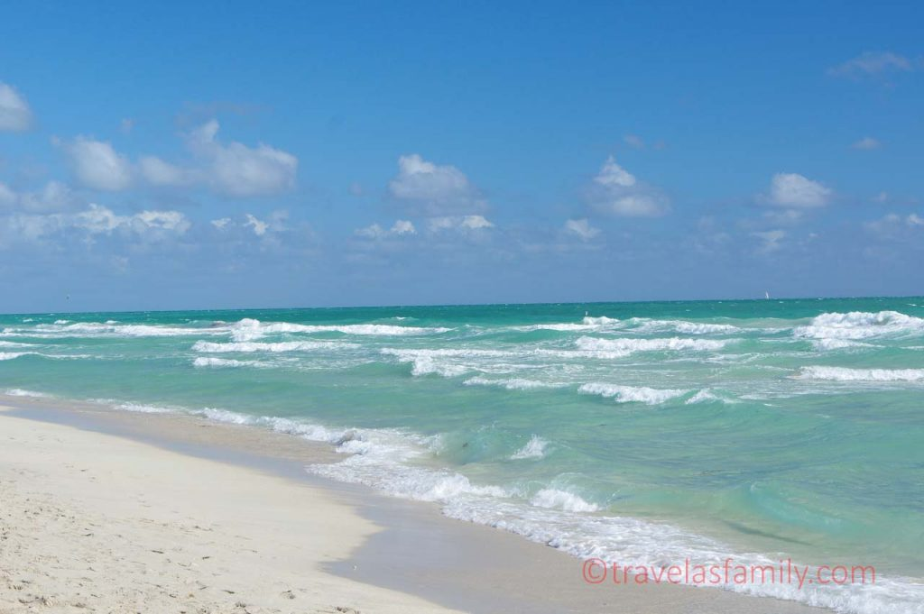 Highlight 5 : South Beach Miami, crowded but nice with green tinge water